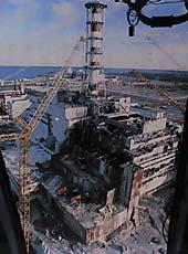 Zničený reaktor čtvrtého bloku elektrárny Černobyl