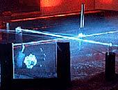 Klasický hologram a paprsky laserů