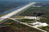Přistávací dráha raketoplánu na Floridě