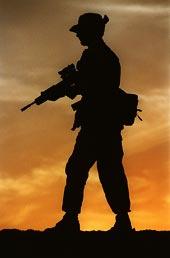 Voják při západu slunce